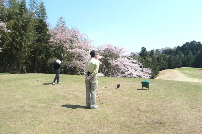 長太郎カントリークラブ お客様とゴルフ